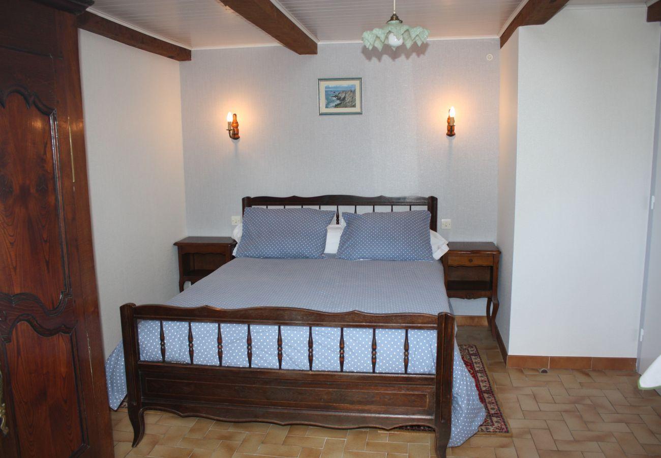 House in Esquibien - Charmante Maison Typique à Esquibien, Quartier Calme et Proche Plage-AD5009