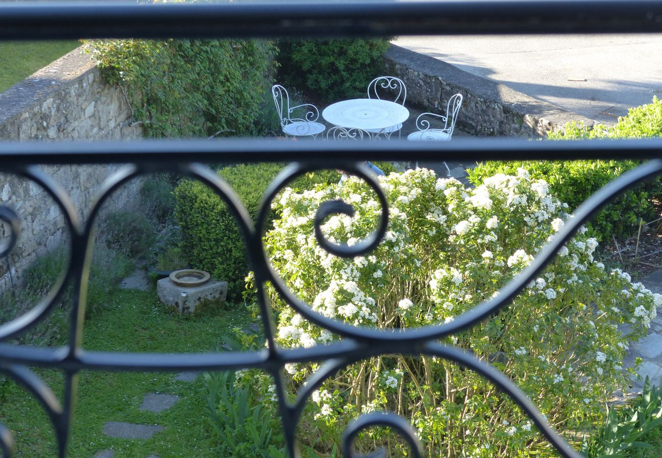 Apartment in La Trinité-sur-Mer - Appartement Spacieux Vue sur Port, Belle Terrasse Sud-T547