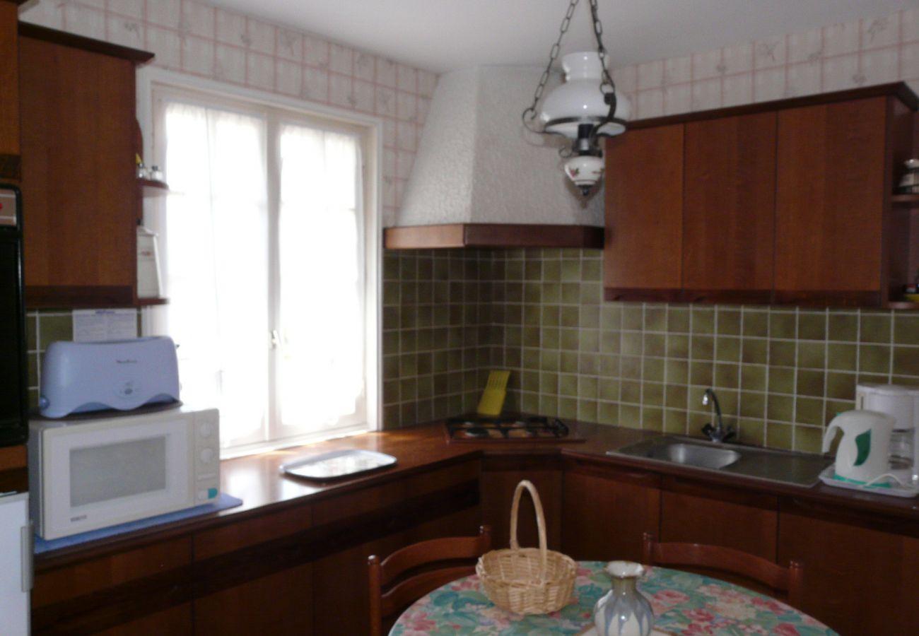 House in Pouldreuzic - Charmante Maison de Campagne à Pouldreuzic-AD6004
