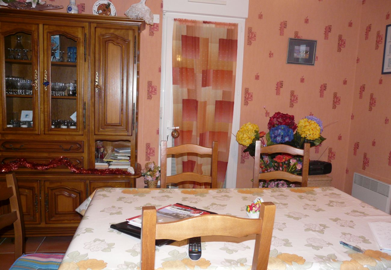 House in La Gouesnière - Charmante Maison Familiale, Tout Confort, Située au Calme-CE6004