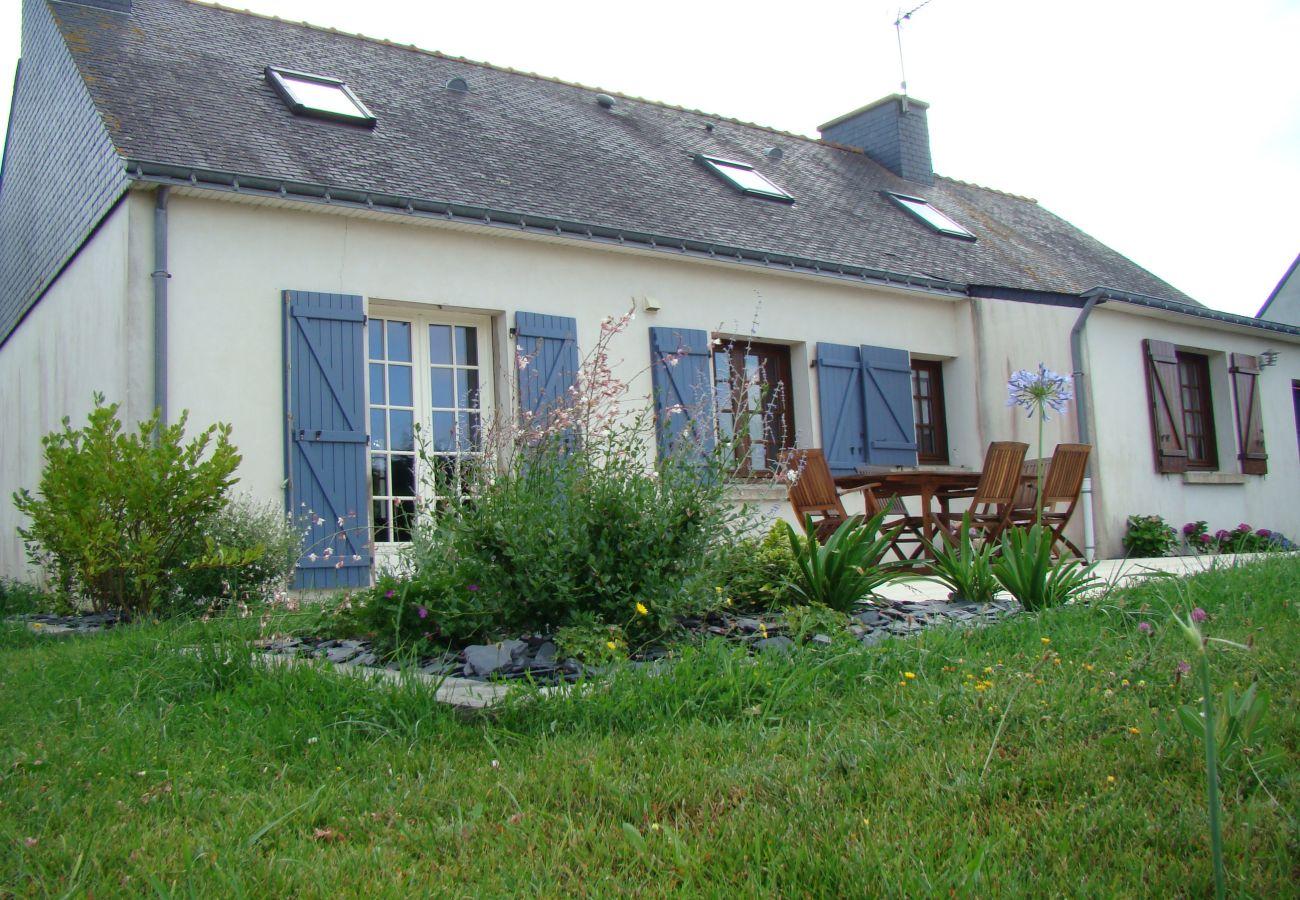 Villa in Erdeven - Jolie Villa Typique Néo-Bretonne, 800m Plage - C54
