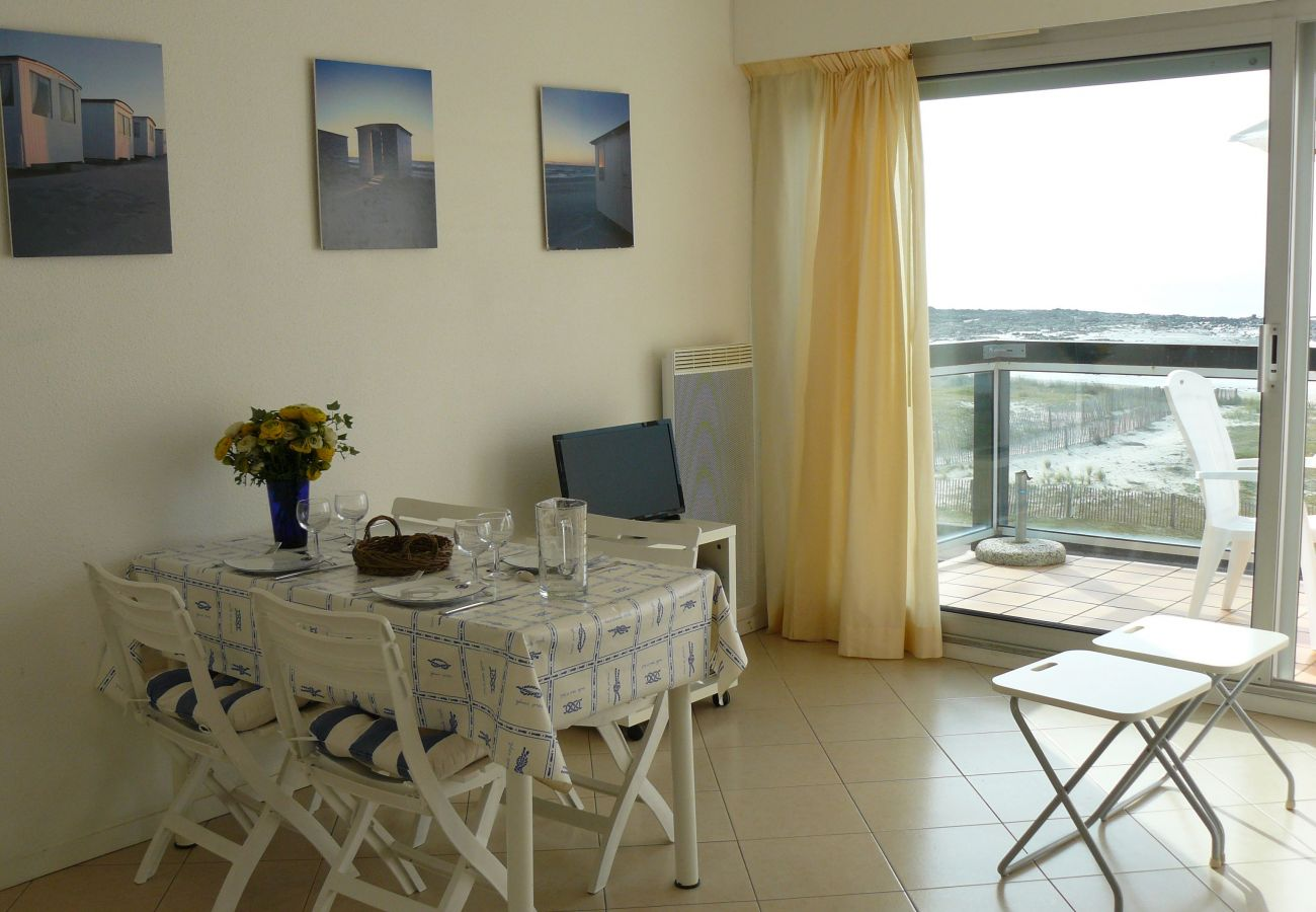 Apartment in Carnac - Appartement Spacieux, Balcon et Belle Vue Mer-D1
