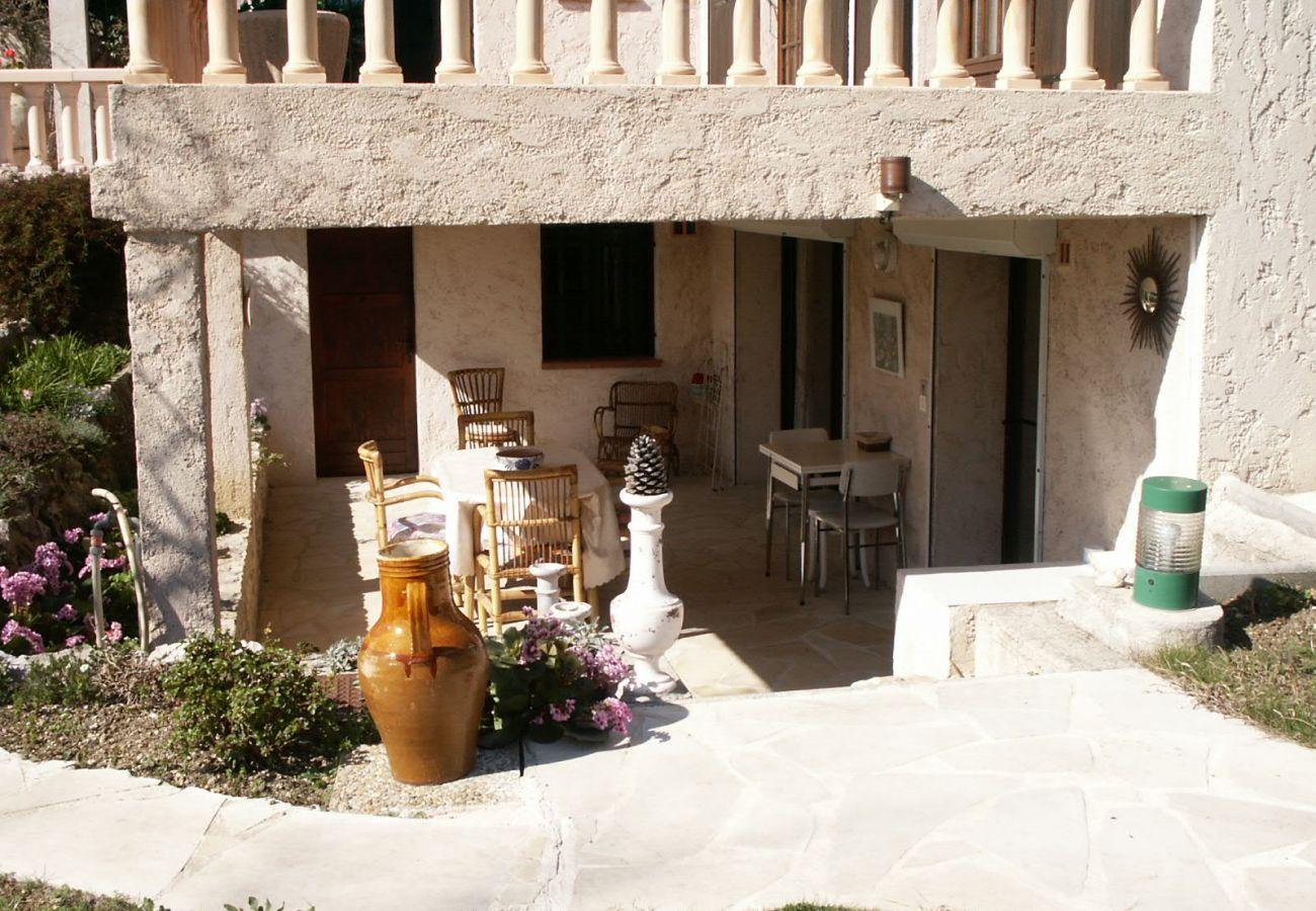 House in Juan-les-Pins - Anorelles, Jolie maison bien sittuée à Juan Les Pins SUD4002