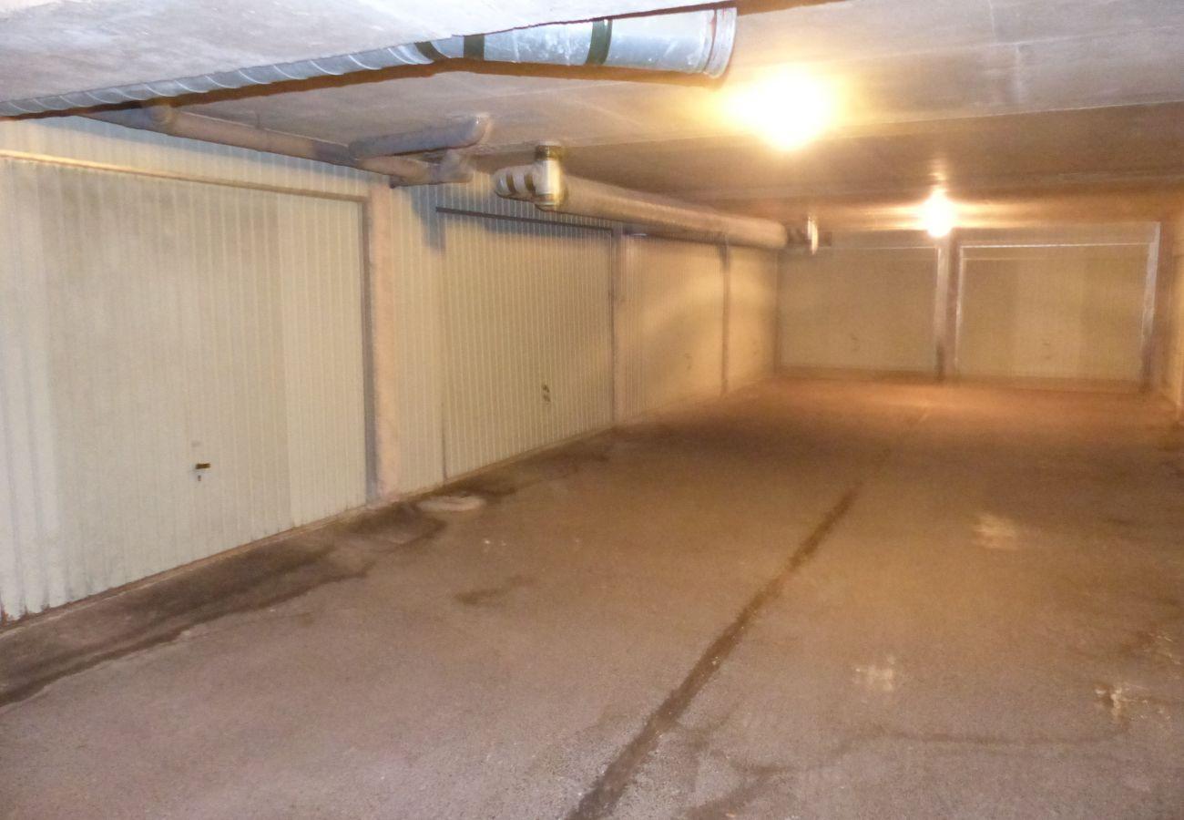 Apartment in Carnac - Bel Appartement 2* Lumineux avec Balcon et Petite Vue Mer-DT16