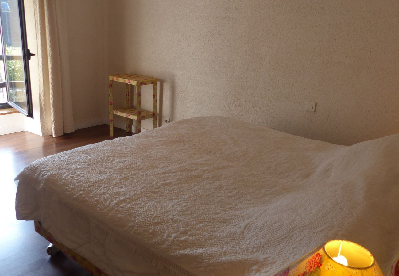 House in Carnac - Charmante Longère Classée 3* avec Wifi, Jardin Arboré Proche Plage-ST58