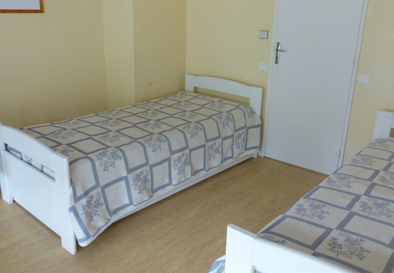 Studio in Saint-Philibert - Appartement Classé 2*, Idéalement Situé face Plage Men Er Beleg-UD102