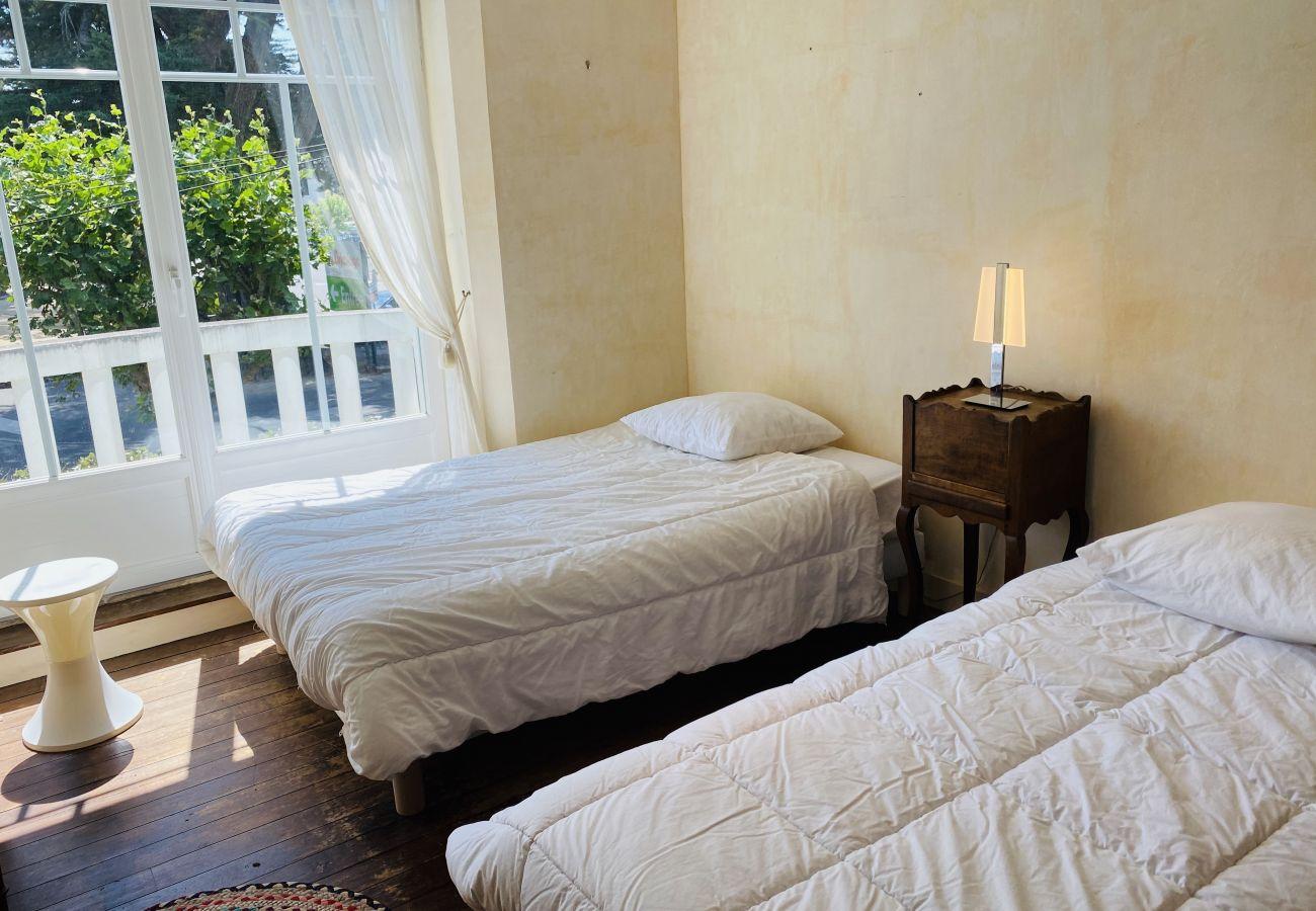 House in Carnac - Jolie Villa Familiale Plein Centre de Carnac-Plage, Wifi-K51