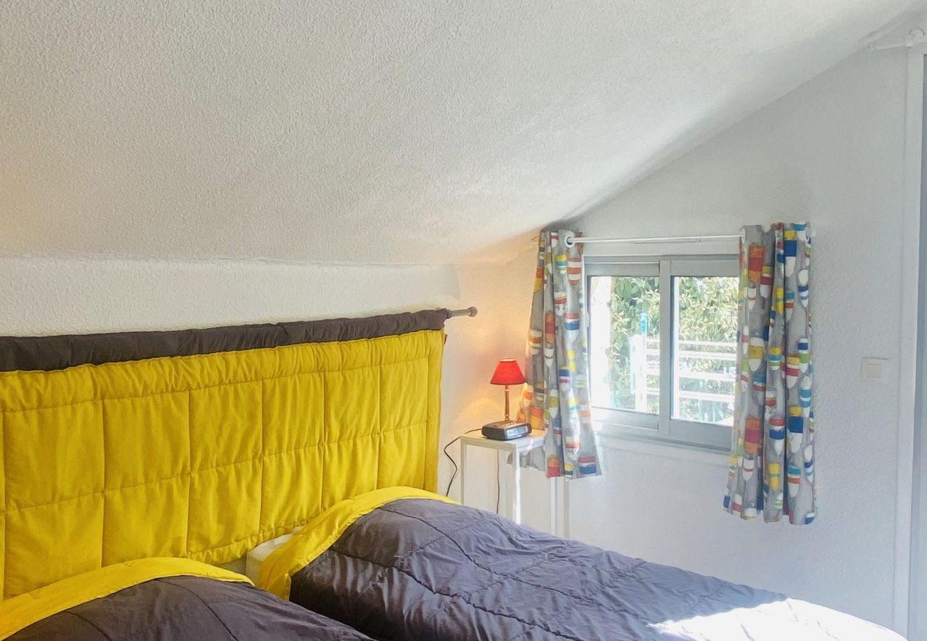 House in La Trinité-sur-Mer - Maisonnette Plain-Pied Tout Confort, Proche Centre-Bourg-D4