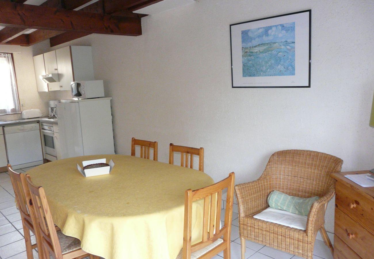 Maison à Carnac - Maison Jumelée Idéalement Située avec Jardin Clos-CA6007