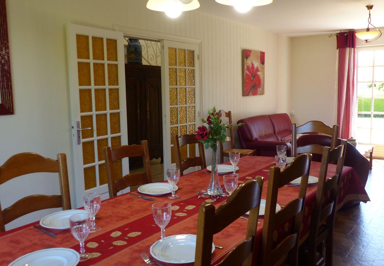 Villa à Carnac - Breno, Belle Villa avec jardin clos proche plage-CA9002