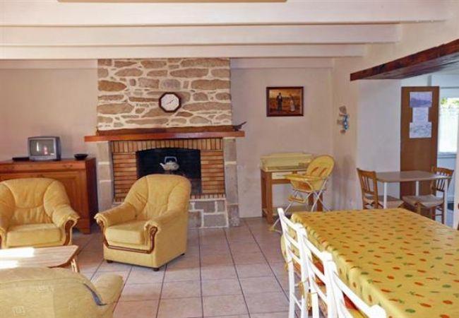 Maison à Esquibien - Belle Maison Traditionnelle et Familiale, Plage à 800m-AD6002