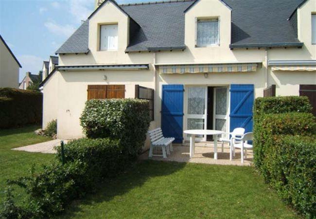 Maison à Saint-Philibert - Charmante Maisonnette Typique Bretonne, Jardin et Proche Plages-SP6010