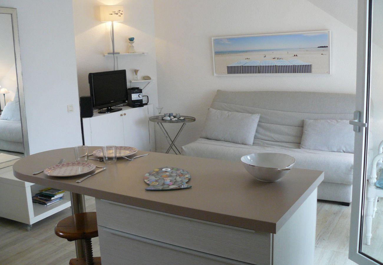 Studio à Carnac - Joli Studio Confortable Idéalement Situé, Belle Vue sur Les Salines-U69