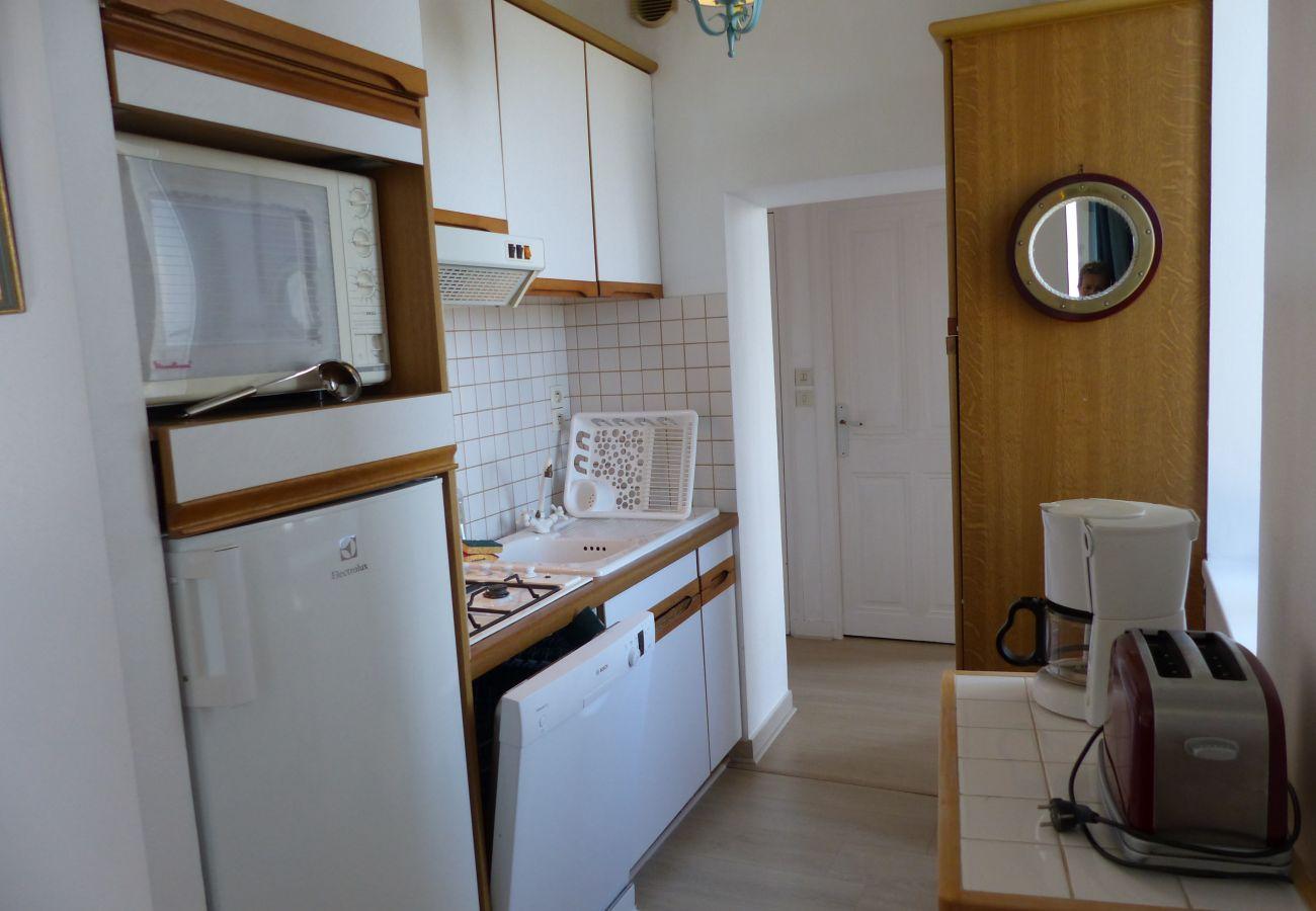 Appartement à La Trinité-sur-Mer - Appartement Spacieux Vue sur Port, Belle Terrasse Sud-T547
