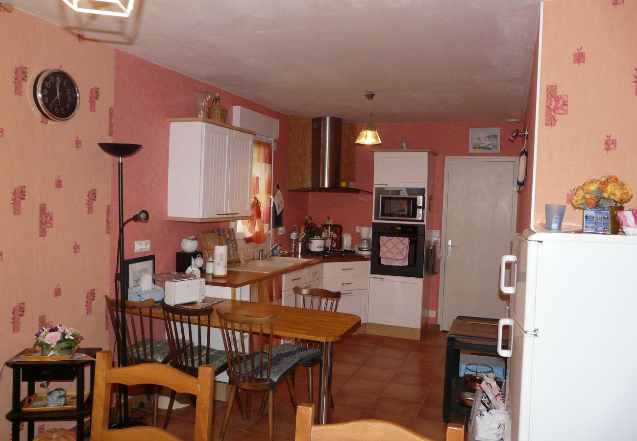 Maison à La Gouesnière - Charmante Maison Familiale, Tout Confort, Située au Calme-CE6004