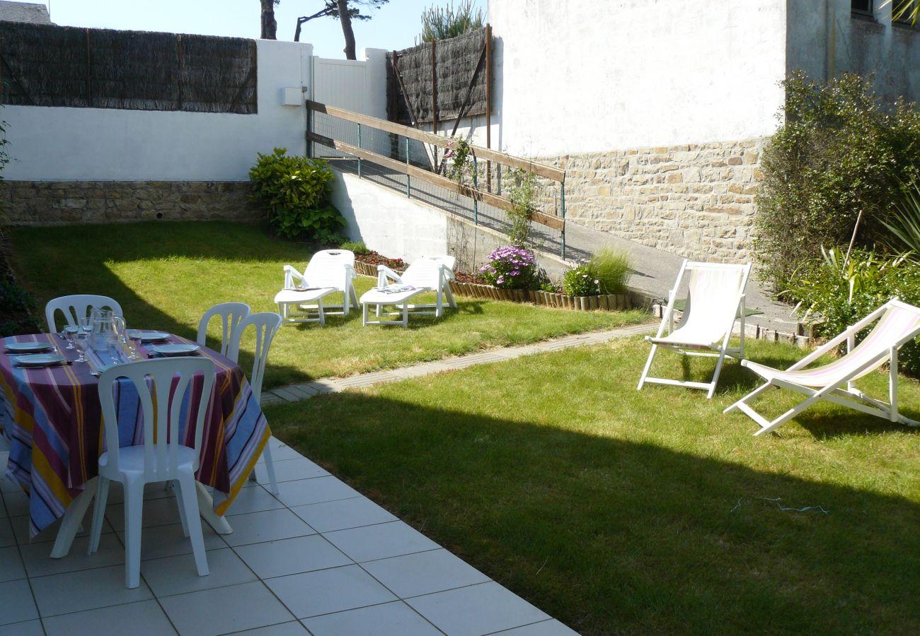 Appartement à Carnac - Port En Dro, Appartement spacieux avec jardin à Carnac-Plage - D6