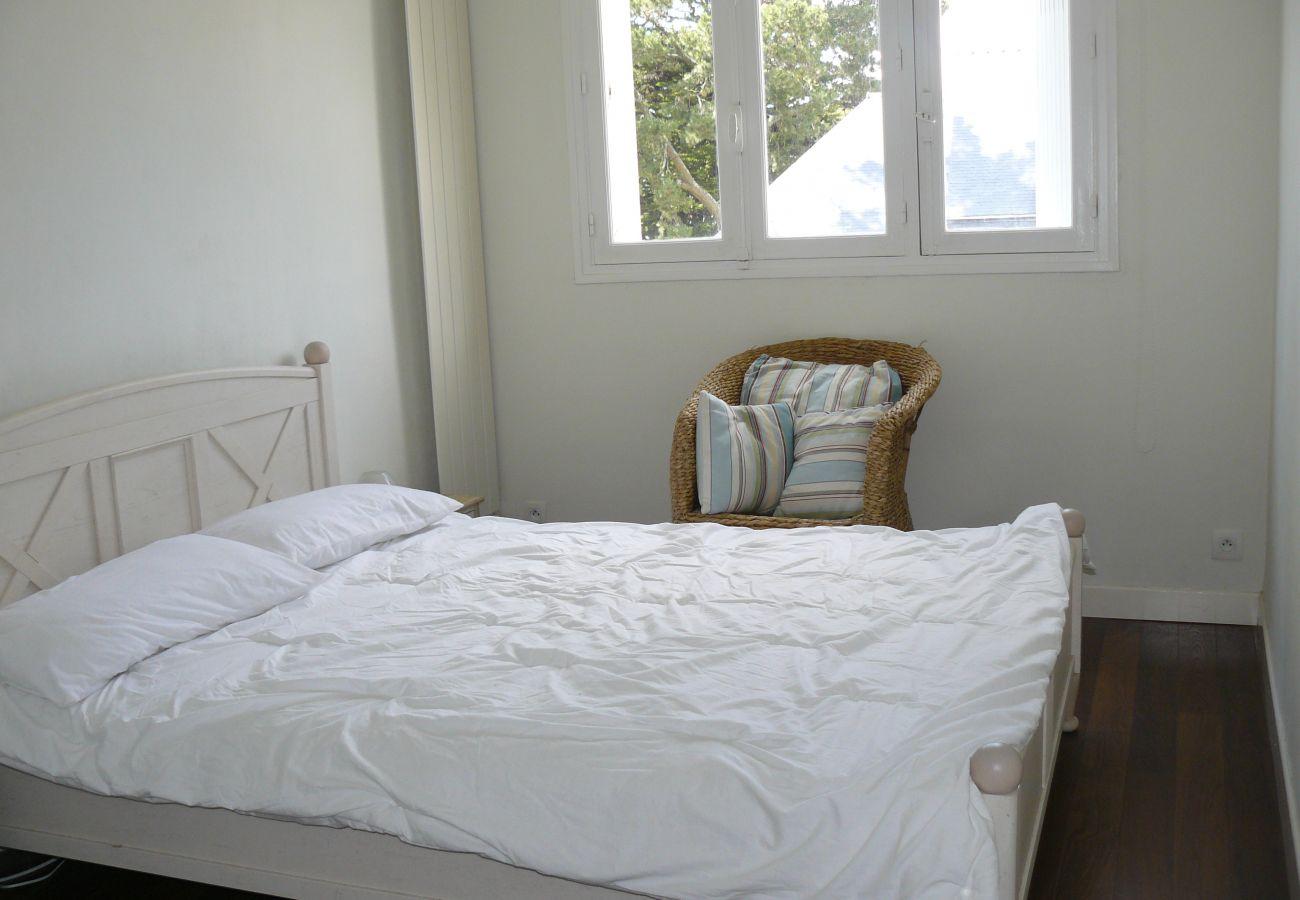 Appartement à Carnac - Charmant Appartement avec Petite Vue Mer & Wifi-D29