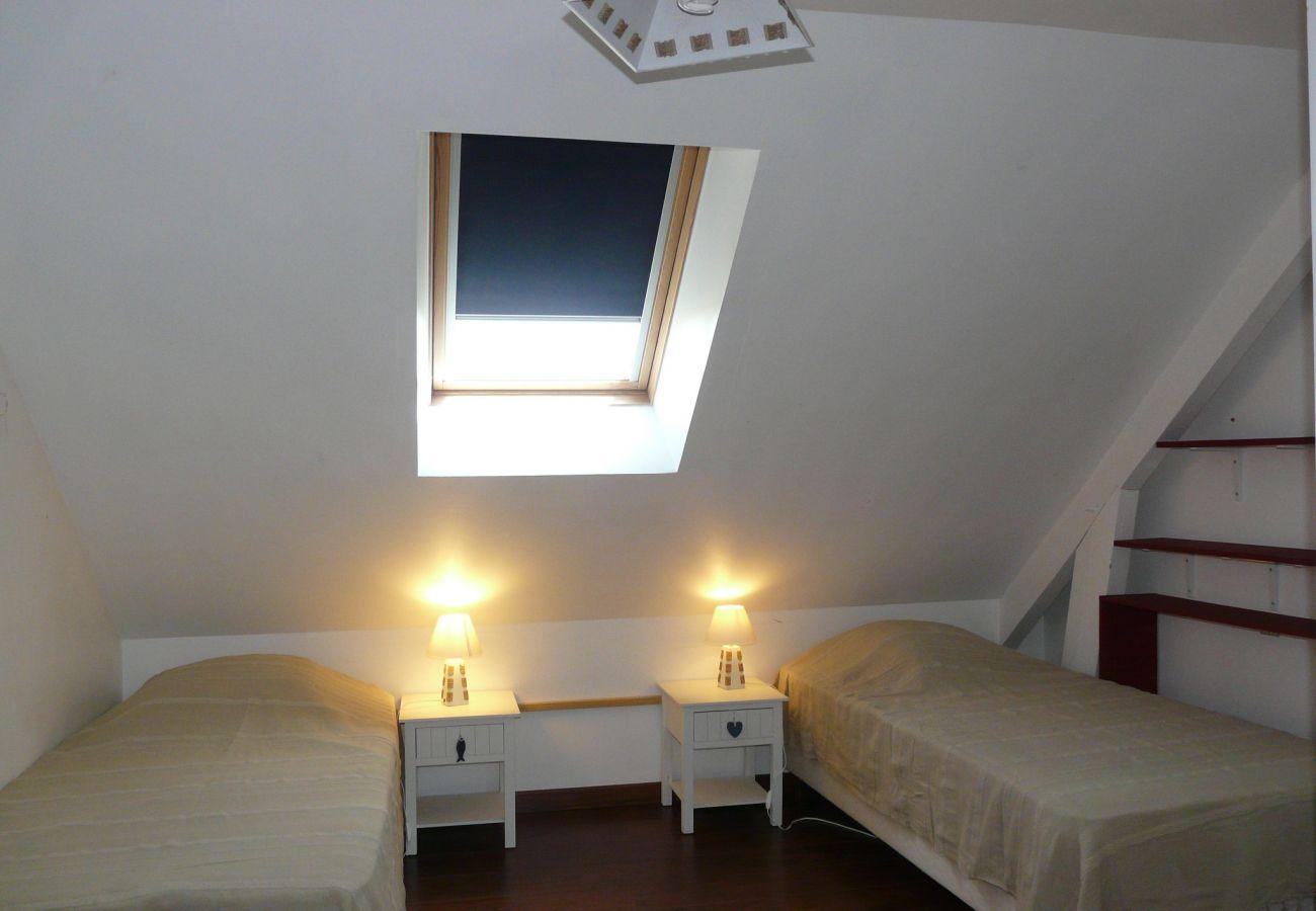 Villa à Erdeven - Jolie Villa Typique Néo-Bretonne, 800m Plage - C54
