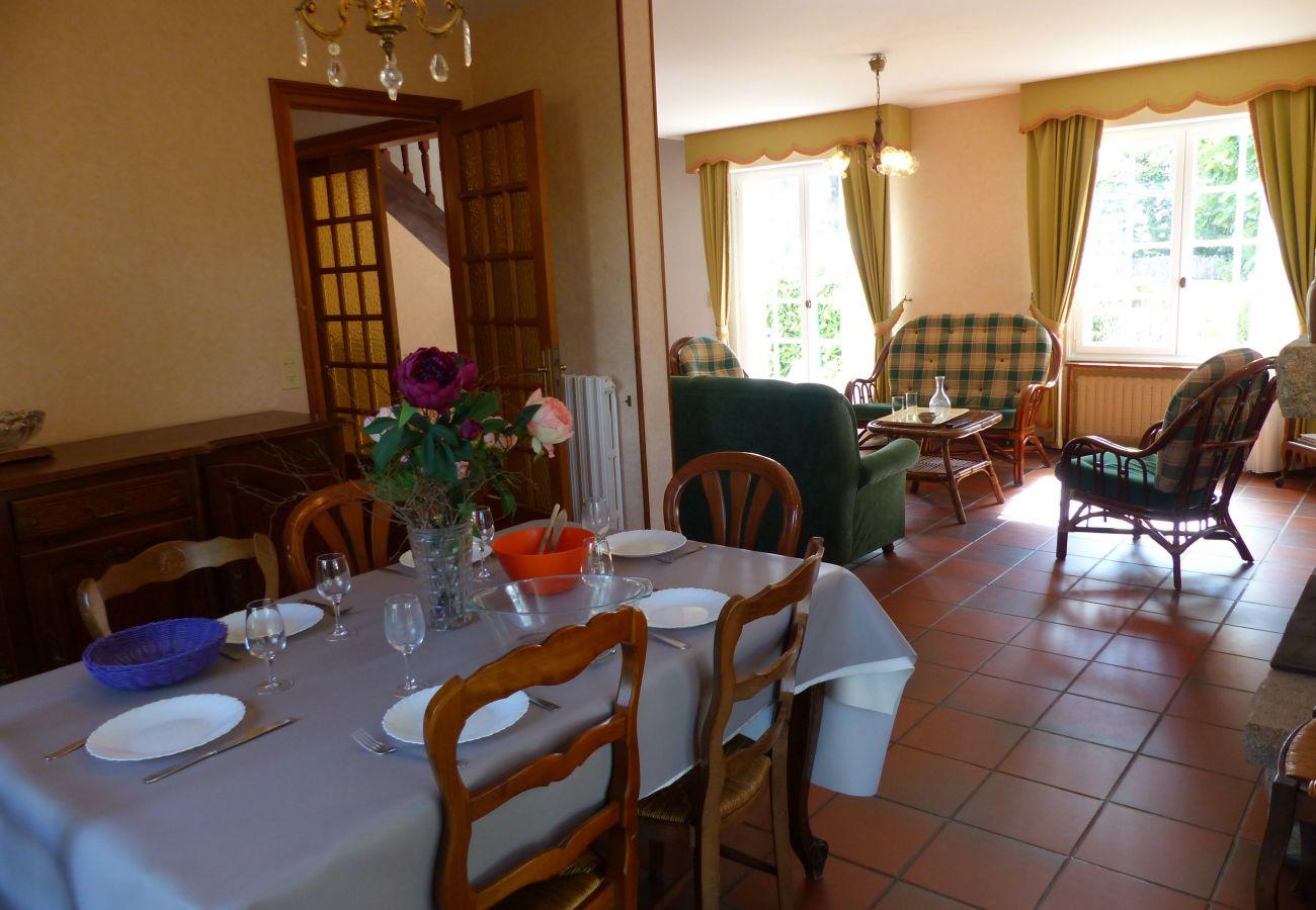 Maison à Carnac - Charmante Villa 3* 50m de la Plage, avec Jardin et Wifi -S26