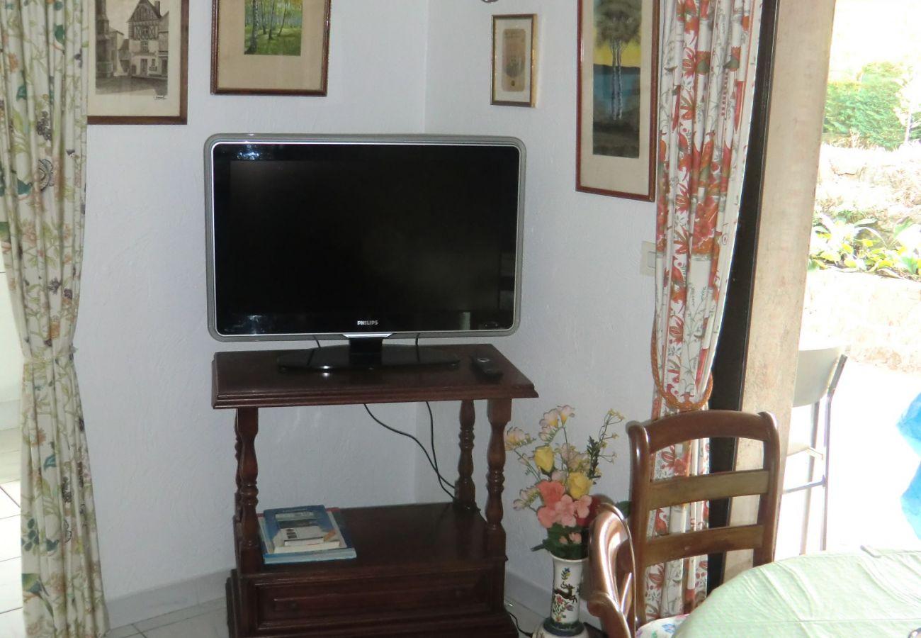 Maison à Juan-les-Pins - Anorelles, Jolie maison bien sittuée à Juan Les Pins SUD4002