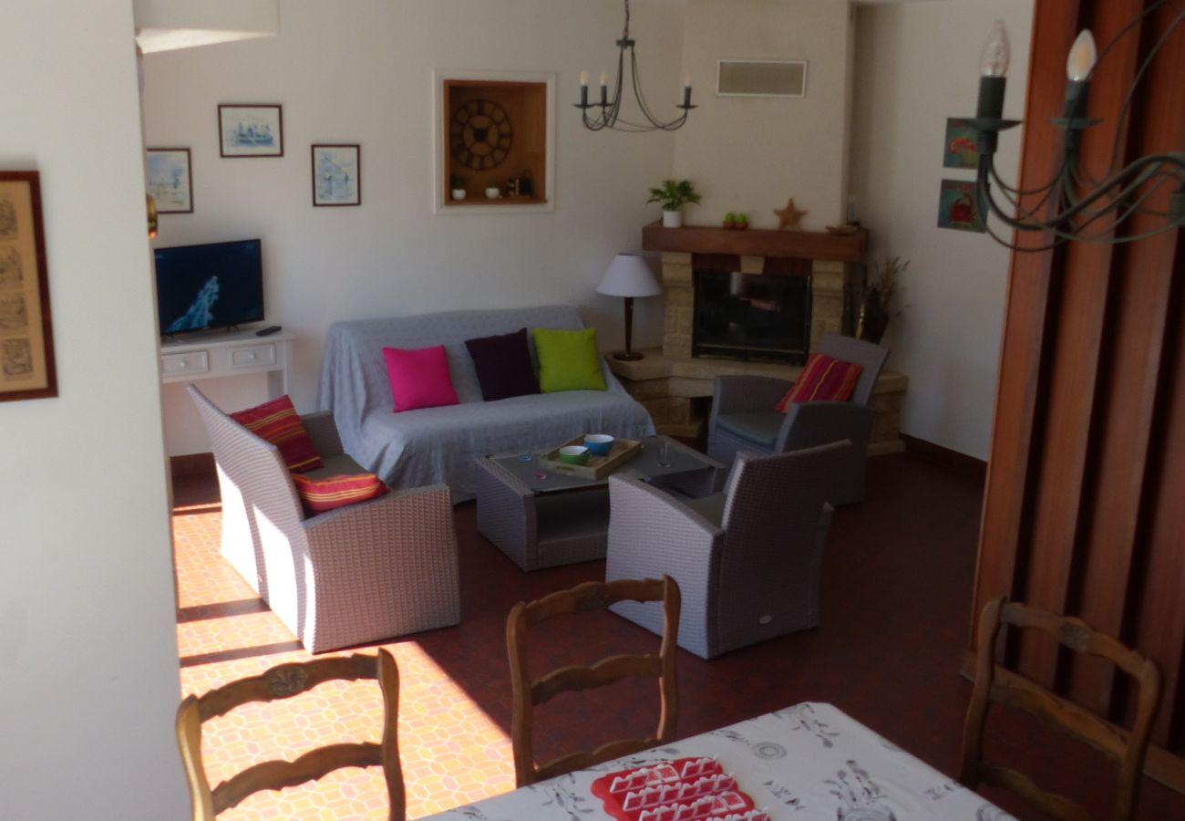 Maison à Carnac - Jolie Villa au Calme Spacieuse Jardin Clos-K343