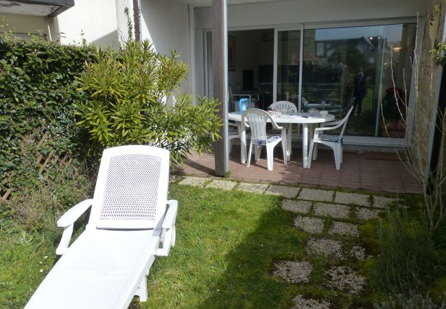 à Carnac - Bel Appartement 3* avec Terrasse et Jardinet, Wifi-D24