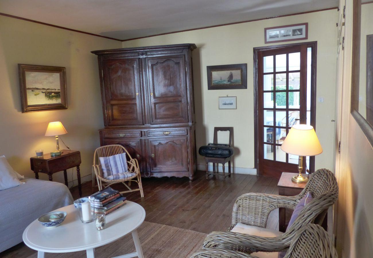 Maison à La Trinité-sur-Mer - Maison Typique Bretonne, Proche Port & Commerces-K28