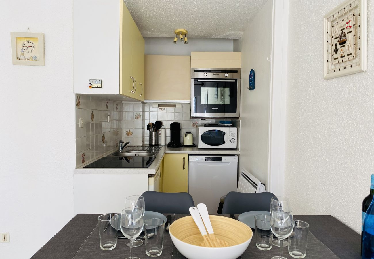 Studio à Carnac - Agréable Appartement 3*, Terrasse, Wifi, Carnac-Plage Centre-UD98