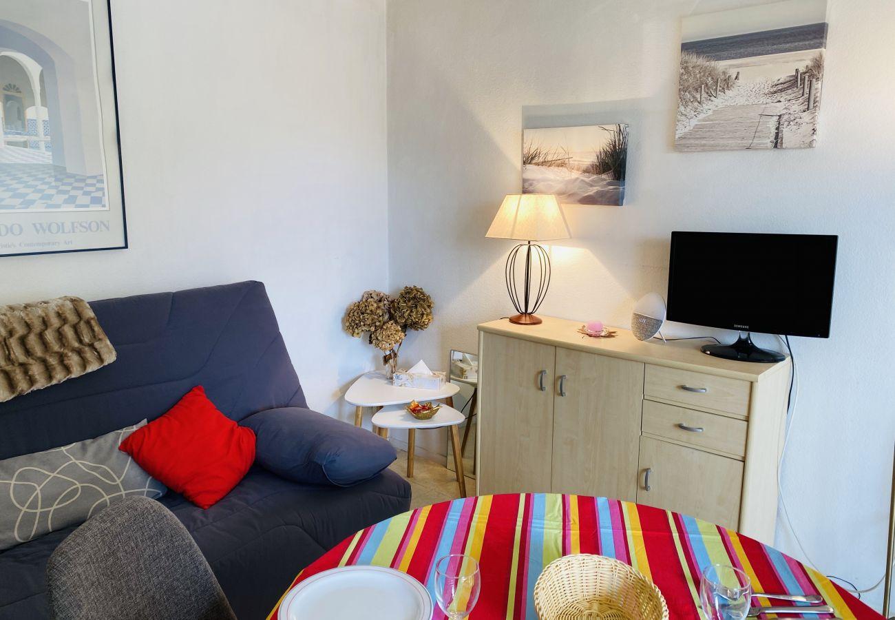 Appartement à Carnac - Bel Appartement à Carnac-Plage Petite Vue Mer Proche Plage-UD99