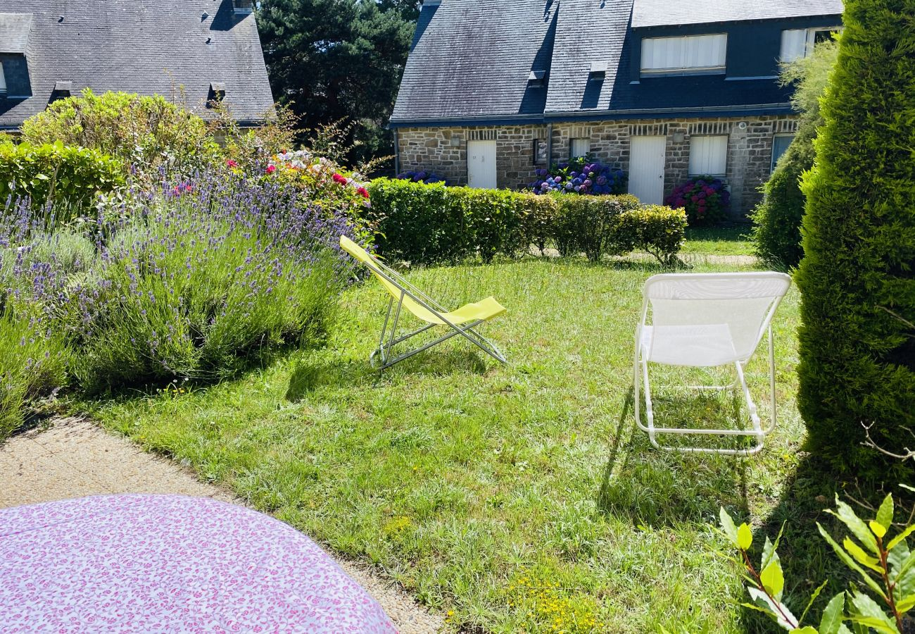 Appartement à Carnac - Appartement Confortable Jardin et Terrasse, Plage Beaumer à 300m-D12