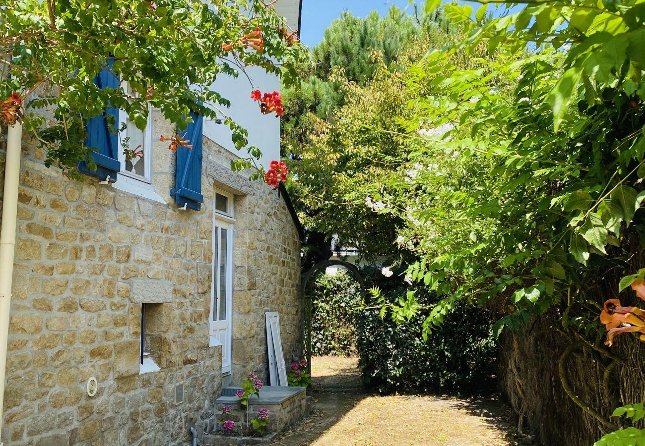 Maison à Carnac - Jolie Villa Familiale Plein Centre de Carnac-Plage, Wifi-K51