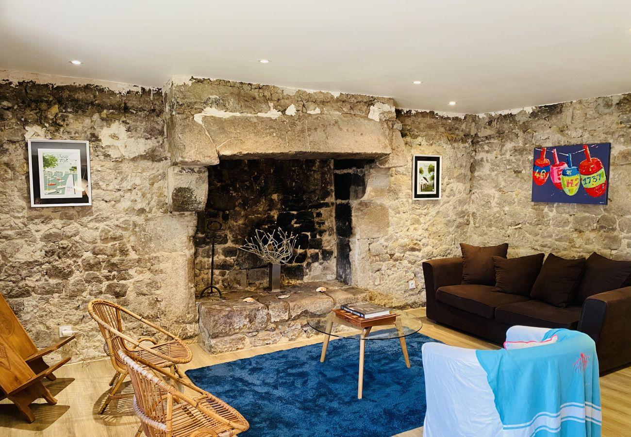Maison à Carnac - Grande Longère Rénovée Tout Confort, proximité de Carnac-Plage-C63