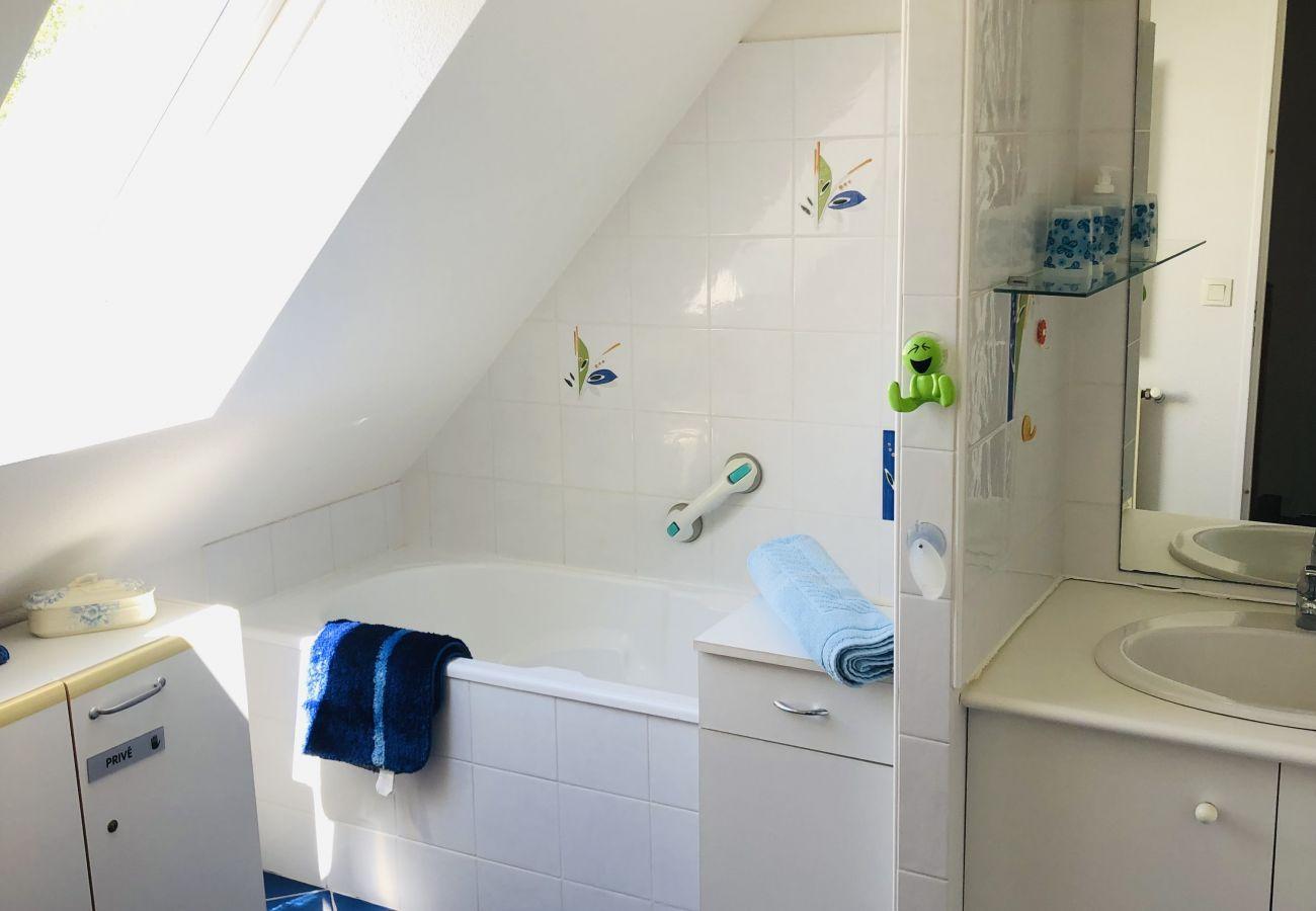 Maison à Carnac - Maison 4 chambres.Proche centre et plage. Garage.Internet.CLOS SAINT CORNELY - C64